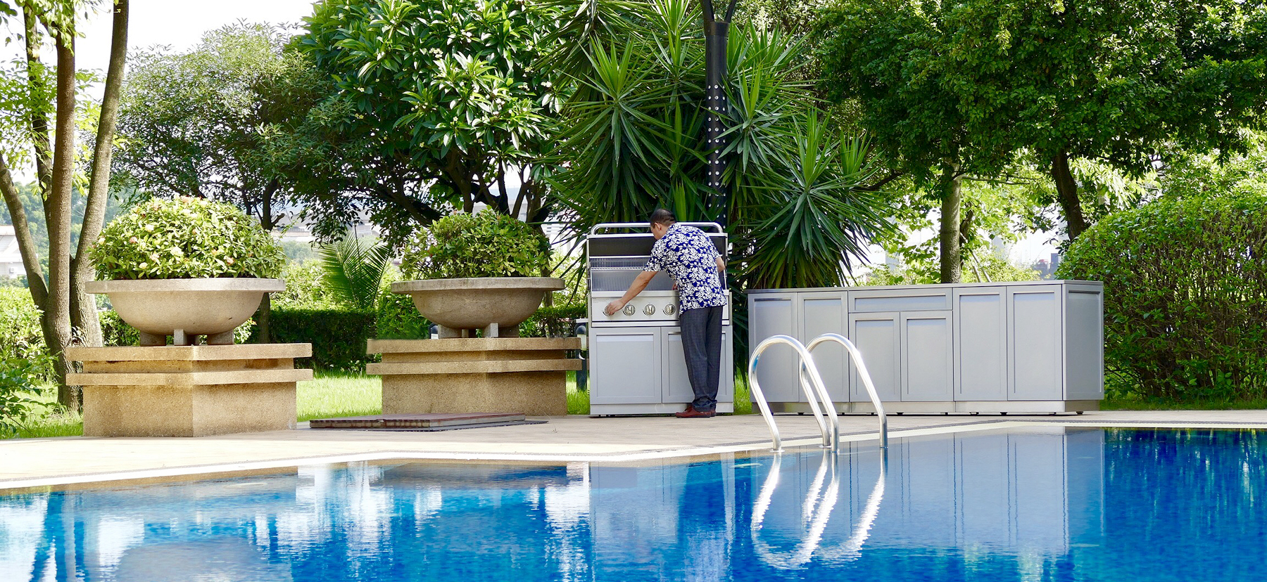 4 Life Outdoor Cabinets Set Gray By Pool With Man 4 Life