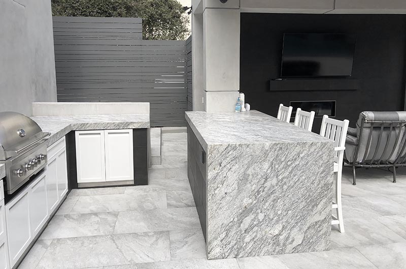 Stone countertops on outdoor cabinets 4