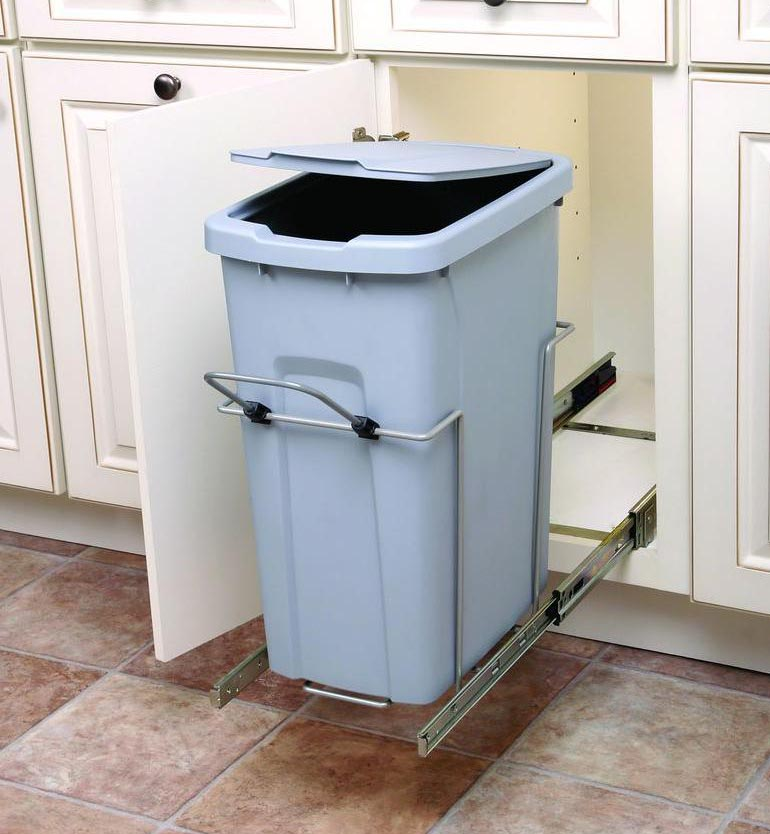 Pull Out Garbage Bins In Outdoor Kitchen Cabinets 1